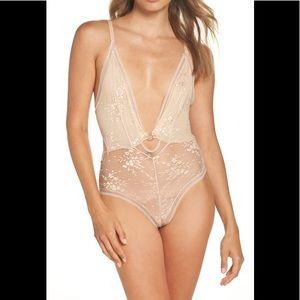 Intimately FP No Trace Lace Bodysuit, size M, new